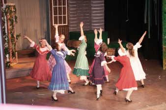 dancers-blow-high
